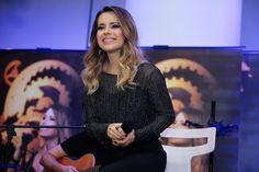 Sandy disponibiliza trecho de DVD e faz ação de lançamento no Facebook - Antenados