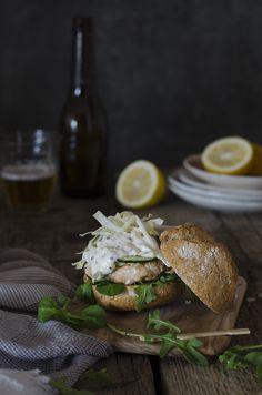 Hamburguesa de Salmón Fresco {receta fácil}   Fresh Salmon Burguer   Sabores y Momentos http://saboresymomentos.es
