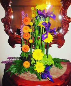 nice vancouver florist #florist #floraldesigns #Torontoflorist #mississaugaflorist #homedecor #decor #Toronto #mississauga #floristofinstagram #floraldesign #flowers #florist #iris #yokoono #vancouver #vancouverisland #canada #flowerporn #flowerpower #flowerlove #floralarrangement #officeflowers #beautiful #modern #comtemporary #arrangement #happy #love #september by @love_me.tender  #vancouverflorist #vancouverweddingdecor #vancouverflorist #vancouverwedding #vancouverweddingdosanddonts