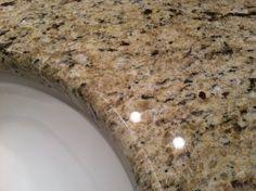 foto de GraniteStock com Granite Color Sample: Giallo Vitoria Granite Kitchen Granite colors