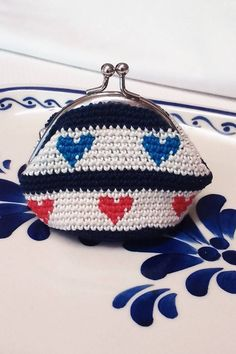 Tapestry crochet coin purse by Pimentayflor on Etsy