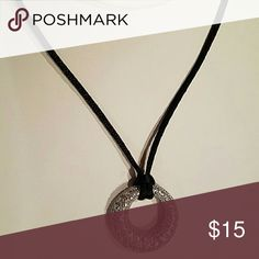Lia Sophia VERY CHIC and GLAM 💗Necklace CHIC Silver Cut Crystals with Soft Black Leather Lia Sophia Jewelry Necklaces