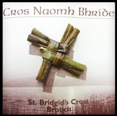 This St. Bridgid's Cross Pin is a wonderful example of traditional authentic Irish craft. Made of Bulrush ( botanical name Scirpus Lacustris) taken from the river Shannon and various lakes and rivers in the west of Ireland. This natural material grown in St Patricks Day, Saint Patricks, Irish People, County Clare, Green Beer, Irish Quotes, World Crafts, Irish Jewelry, Irish Eyes