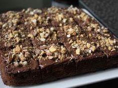 Tortë e zezë me Nutella Death By Chocolate, Chocolate Cake, Just Cakes, Greek Recipes, Different Recipes, Nutella, Food Processor Recipes, Cupcake Cakes, Cake Recipes