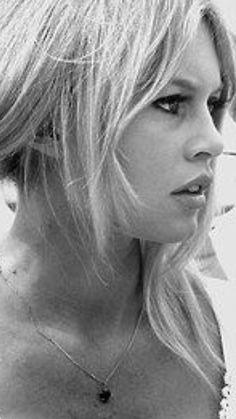 Babe close-up. Brigitte Bardot, Bridget Bardot, Marlene Dietrich, Ali Macgraw, Faye Dunaway, Hollywood Icons, Catherine Deneuve, French Actress, Classic Beauty