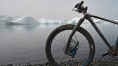 Icelandic entrepreneurs Benedikt Skulason and Gudberg Bjornsson have created the Lauf leaf-style fork for mountain bikes. It has no moving parts, requires no maintenance, and weighs just 980 grams – a typical suspension fork weighs more in the neighborhood of 1,400 to 1,900.