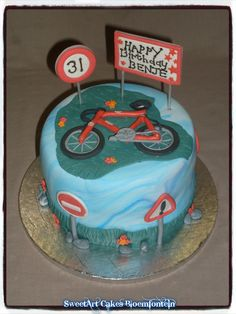 Fondant Toppers, Fondant Cupcakes, Cupcake Toppers, Bicycling, Icing, Cake Decorating, Sport, Facebook, Website