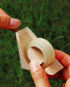 Ki-de-Kiru (cut by wood) tape cutter by Hacoa