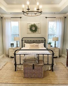 Once again, urban farmhouse master bedroom design never falls out of fashion, especially when it comes to interior home design. Dream Bedroom, Home Bedroom, Bedroom 2018, Girls Bedroom, Farm Bedroom, Bedroom Retreat, Pretty Bedroom, Bedroom Apartment, Apartment Ideas