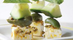 Throw a healthy tapas party. Step away from the mini pizzas and cheese puffs and sample these sophisticated, healthier tapas recipes. Tapas Party, Snacks Für Party, Appetizers For Party, Healthy Appetizers, Skewer Recipes, Appetizer Recipes, Cucumber Appetizers, Cucumber Snack, Cucumber Bites