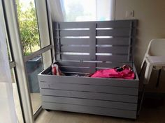 Storage Chest Made from Pallets
