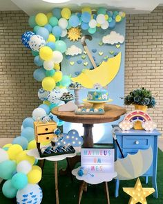 Inspiração fofa, para mensário, com tema Chuva de bençãos. Decor por @kamilabarreiratiengo #chuvadebencaos #festachuvadebencaos… Birthday Themes For Boys, Baby Boy 1st Birthday, Birthday Party Decorations, 1st Birthday Parties, Baby Shower Decorations, Baby Shower Games, Baby Boy Shower, Sunshine Birthday, Baby Shower Gender Reveal