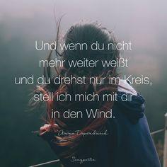 """Wenn es dunkel um dich ist und du da draußen einsam bist, nimm meine Hand und halt dich fest, damit der Mut dich nicht verlässt. Für wen seid ihr immer da?  Der Song """"Ich und du"""" von Anna Depenbusch und Mark Forster ist auch auf der neuen Songpoeten Vol II, die ihr schon vorbestellen könnt. Und natürlich auf unseren Playlisten. Den Link zur Vorbestellung findet ihr in der Bio!  #songpoeten #freundschaft #liebe #songtext #songzitat #songpoetenvolII #musikpoesie #annadepenbusch #markforster…"""