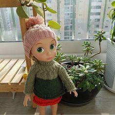 뜨개 삼매경. 아직도 떠보고 싶은것이 많다. #델몬님 #물결무늬비니 #네키목도리 #에이프릴티님 소니셰프의상 #knitting #crochet