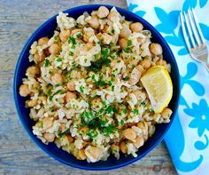 Greek Chickpeas and Rice with Lemon and Tahini | Olive Tomato Chickpea And Rice Recipe, Chickpea Snacks, Chickpea Burger, Chickpea Recipes, Chickpea Salad, Chickpeas Nutrition Facts, Chickpeas Benefits, Bean Recipes, Vegans