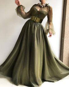 Dettagli-olive color-tessuto tulle-ricamo a mano fiori e foglie-Ball-abito stile-party e abito da sera