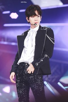 Baekhyun - 170603 I Love You Korea 2017 Dream Concert Credit: All Night. Chanyeol, Selca Baekhyun, Kyungsoo, Baekyeol, Chanbaek, K Pop, Baekhyun Wallpaper, Exo Concert, Dream Concert