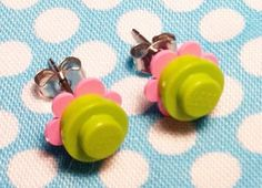 ftw - lego earrings Lego Jewelry, Jewelry Crafts, Jewelry Ideas, Lego Party Favors, Lego Themed Party, Handcrafted Jewelry, Earrings Handmade, Lego Flower, Make Your Own Costume