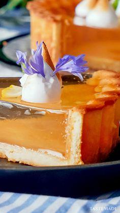 Jello Dessert Recipes, Cake Recipes, Holiday Desserts, Just Desserts, Good Food, Yummy Food, Filipino Desserts, Creative Food, Food Cakes