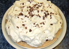 Luby's and Piccadilly Cafeteria Copycat Recipes: German Chocolate Cheesecake Chocolate Icebox Pie Recipe, German Chocolate Cheesecake, Chocolate Pies, Chocolate Filling, Chocolate Cream, Copycat Recipes, Pie Recipes, Dessert Recipes, Recipies