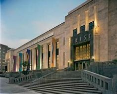 Explore the Arts in Music City with this special package that includes a hotel stay of your choice, admission to the Frist Center for the Visual Arts with a 10 dollar gift certificate to their fantastic gift shop and admission to Cheekwood!