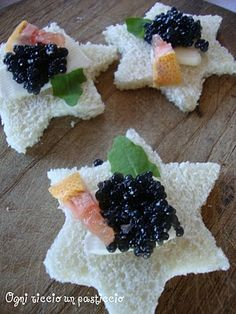 tartine al caviale - canapes with caviar