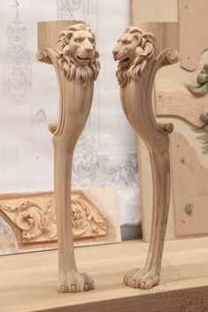Table leg with lion mask Wood Carving Designs, Wood Carving Art, Wood Art, Wood Carvings, Grey Wood Furniture, Cool Furniture, Painting Wooden Furniture, Wooden Front Door Design, Wood Bed Design