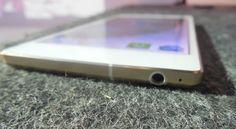 """Allview a lansat cel mai nou model de smartphone, institulat """"cel mai subtire smartphone din lume"""". Allview X2 Soul este cel mai subtire telefon din lume, cu o carcasa de 5,55 mm, declara producatorul. Allview X2 Soul este acoperit atat pe partea din fata, cat si pe cea din spate cu un strat Gorilla Glass …http://forumwebmaster.ro/allview-x2-soul-cel-mai-subtire-smartphone-din-lume/"""