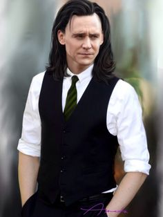 "Tom Hiddleston ""Loki"" Fan art From http://41.media.tumblr.com/521170e0b1f7f6fb2213cff9624704ab/tumblr_nflyakNwvp1t6b7aho1_500.jpg"