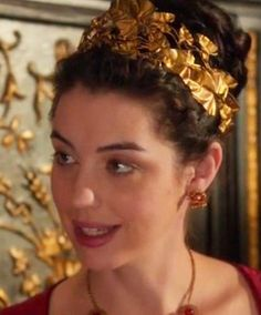 A little bit more of Hollywood glam... Gorgeous Adelaide Kane as Mary, Queen of Scots with a @GoldCrown by @ThyreosVassiliki at @Reign Special thanks to @MeredithMarkworthPollack @ReignCostumes @Diamonds @goldjewelry @goldfever @Queen