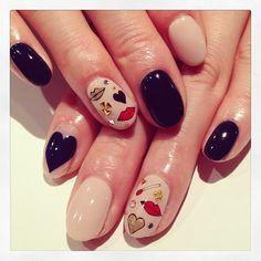 Heart & lip art nails