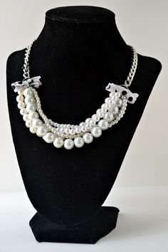 18 inch white pearl bead polka dot bow necklace by oliveherjewelry