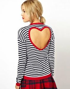 Gestreifter Pullover mit herzförmigem Rückenausschnitt
