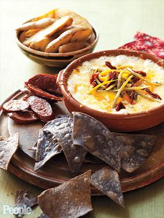 Perfect for Super Bowl! Jessica Simpson's favorite queso recipe from Dos Caminos.  http://www.people.com/people/gallery/0,,20667796,00.html#21271887