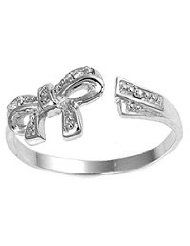 Bow toe ring, I dont want this I need this!!! Please I will love you forever!