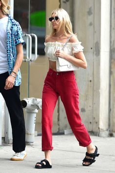 http://www.hawtcelebs.com/wp-content/uploads/2018/07/elsa-hosk-and-tom-daly-out-in-new-york-07-11-2018-10.jpg