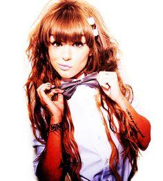 Quirky & Beautiful - Cher Lloyd