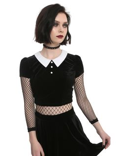 Killer crop // Black Velvet Collar Short Sleeve Crop Top