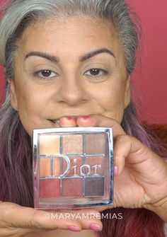 , Coral Eye Shadow - Winged Liner Video Tutorial , Video tutorial of a coral eye shadow and winged liner. I use the Dior palette to achieve the eye look. You can find more videos of and How To Do Winged Eyeliner, Winged Eyeliner Tutorial, Winged Liner, Eye Liner, Makeup Tutorials Youtube, Makeup Tutorial For Beginners, Makeup Youtube, Dior Makeup, Makeup Geek