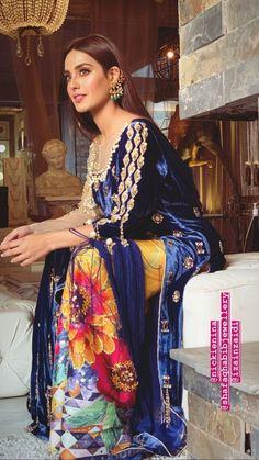 Pakistani Fancy Dresses, Pakistani Fashion Party Wear, Pakistani Wedding Outfits, Pakistani Dress Design, Indian Outfits, Indian Fashion, Indian Attire, Indian Wear, Churidar
