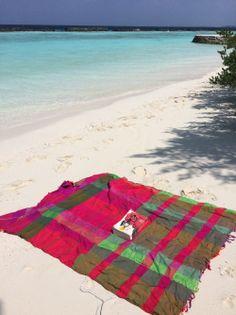 """#Maldives #Maldivas . Esto es todo lo que necesitas en esa #isla.  Conoce nuestro mas reciente #Articulo sobre este paraíso terrenal en """"Las Maldivas y Yo"""" #Viajes #Asia #travel #Beach #Paradise"""