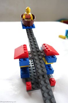 Build this easy catapult with your lego fan! Preschoolers love to use their imagination and ingenuity with lego to create!