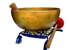 D-chakra Master healing singing bowl,Meditation bowl,Tibetan Bowls, free singing bowl cushion,striker and drum stick. Singing Bowl Meditation, Buddhist Meditation, Meditation Music, Tibetan Bowls, Sound Bath, Body Therapy, Healing Hands, Divine Light, Beautiful Mind