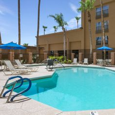 At Country Inns & Suites, a splash of relaxation makes for a perfect summer getaway.