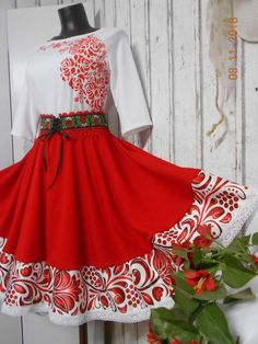 FLORAL FOLK - červená kruhová sukňa s vačkami Folk Fashion, 15 Dresses, Quinceanera Dresses, High Waisted Skirt, Summer Outfits, Dream Wedding, Hairstyle, Couture, Stitch