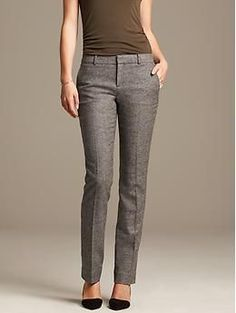 Slim-Fit Textured Gray Straight Leg (ugh, love the pants, hate the color combo with that ugly top) Business Outfits, Office Outfits, Vetement Fashion, How To Look Skinnier, Stitch Fix Stylist, Work Looks, Dress For Success, Work Wardrobe, Straight Leg Pants