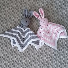 This is one of my first written patterns and it became very popular in sweden. A cute rabbit with fabric in the ears and a cozy star blanket.