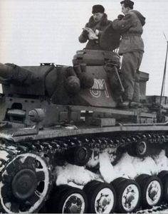 In command cupola oberst Hyazinth graf Strachwitz commander of Panzer Rgt in Panzergrenadier Division Grossdeutchland.