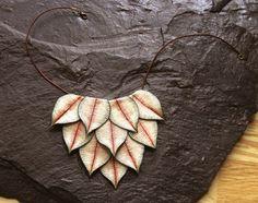 Mira este artículo en mi tienda de Etsy: https://www.etsy.com/listing/263265782/leaves-bib-necklace-boho-bridesmaid