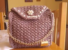 DK collection Naxos bronze handmade crochet purse with elegant details for special occasions. Lenght Height Widht Chain lenght Bold, chic and incredibly glamorous, this evening purse is a must for your next special occasion! Crochet Purses, Metal Chain, Evening Bags, Saddle Bags, Fashion Backpack, Special Occasion, Bronze, Etsy Shop, Engagement
